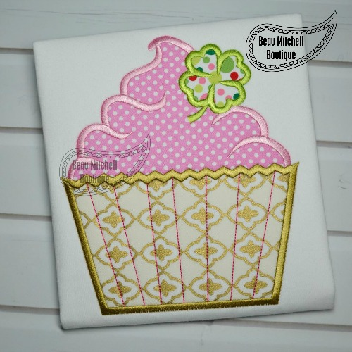 St. Paddys cupcake applique